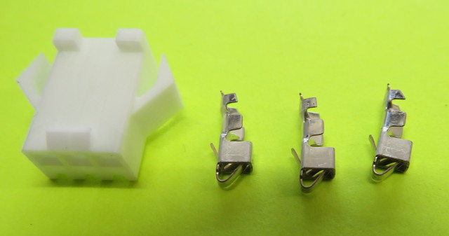 3 pin plug shell with 2x Female contacts