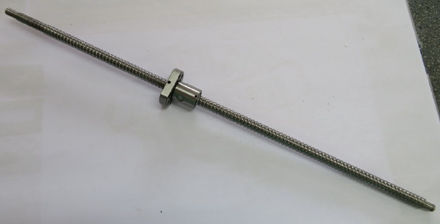 Ball screw and no-play spindle